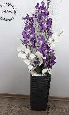 Vysoká dekorácia do byta s orchideami s LED
