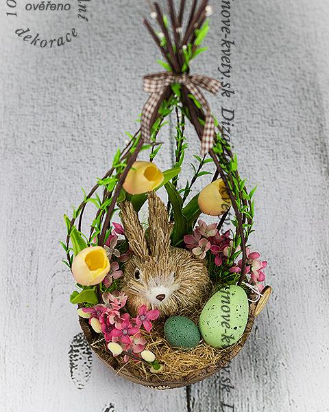 Veľkonočné vajíčka so zajačikom v modernom vykonanej.