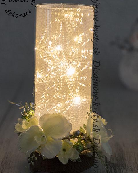 Dizajn kvetou na moderné lampe.