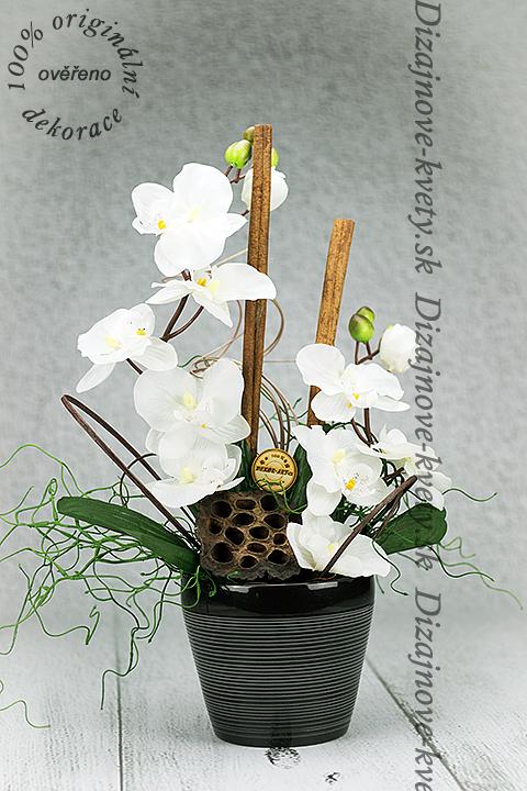 Dekorace s orchideou.