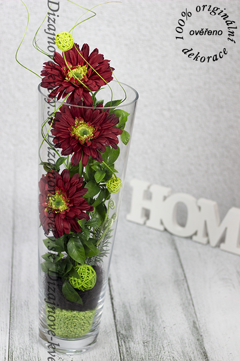 Dizajn LED svetielok a kvetín, je luxusným bytovým prvkom.