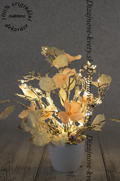 Luxusná dekorácie z umelých kvetov a led diód.
